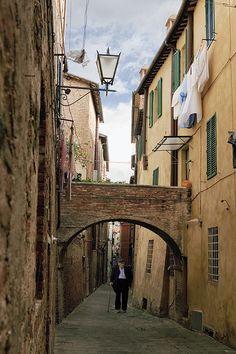 Vicolo della Tartuca, Siena, Italy