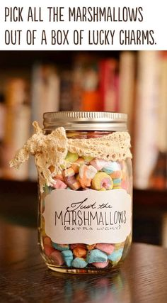 Best DIY Gifts in Mason Jars - Just Marshmallows Gift In A Jar - Cute Mason Jar Crafts and Recipe Ideas that Make Great DIY Christmas Presents for Friends and Family - Gifts for Her, Him, Mom and Dad - Gifts in A Jar That Are Easy, Quick and Cheap Pot Mason Diy, Mason Jars, Mason Jar Gifts, Valentines Bricolage, Valentines Diy, Valentine Day Gifts, Best Christmas Gifts, Christmas Fun, Homemade Christmas