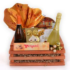 Cos cadou Corporate de Craciun cu Prosecco si vin Cos, Dairy, Santa, Cheese
