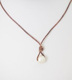 New Lundy Lus single pearl! Leather and pearl necklace.