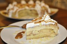 Tort de mere si crema de zahar ars Dessert Recipes, Desserts, Camembert Cheese, Bakery, Pudding, Pie, Food, Tailgate Desserts, Torte