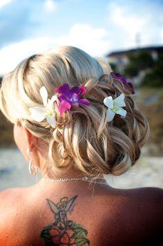 #beach wedding hair flowers
