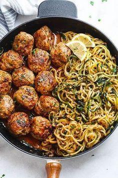 Garlic butter meatballs with lemon zucchini noodles .- Knoblauchbutter-Fleischbällchen mit Zitronen-Zucchini-Nudeln – Diese … – – Jule H. Garlic Butter Meatballs with Lemon Zucchini Noodles – These … – – # Garlic butter meatballs - Healthy Dinner Recipes, Diet Recipes, Lunch Recipes, Zoodle Recipes, Spiralizer Recipes, Meal Prep Recipes, Cooker Recipes, Keto Meals Easy, Healthy Low Carb Meals
