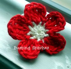 Super Simple Crochet Flower: free crochet pattern ✿⊱╮Teresa Restegui http://www.pinterest.com/teretegui/✿⊱╮