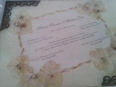 Elke Hipolito Artes: bandejas com convite de casamento e caixa da noiva.