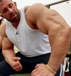 Bro, Big Muscles, Gym Workouts, Fitness Inspiration, Videos, Addiction, Tank Man, Daddy, Sexy