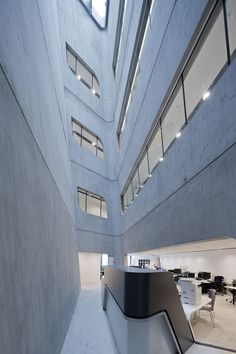 LIBRARY LEARNING CENTER Vienna University Of Economics And
