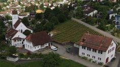 Erlinsbacher Kirchenbezirk mit Kirche (1565), Pfarrhaus (1565) und Pfrundscheune (1765) Quelle: Lutz Fischer-Lamprecht
