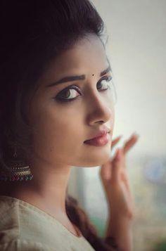 beautifull girls pics: Indian beautiful teenage girls sexy images