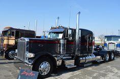 Trucking Semi Trucks, Big Trucks, Driving Force, Peterbilt Trucks, Slammed, Big Boys, Rigs, Volvo, Trailers