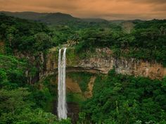 Picture of a waterfall in Mauritius