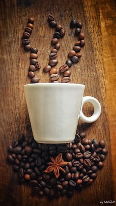 Grinding Coffee Beans Gives Chance to Have Fresh Coffee - CoffeeLoverGuide But First Coffee, I Love Coffee, My Coffee, Coffee Drinks, Best Coffee, Coffee Cups, Coffee Shop, Coffee Corner, Tea Cups