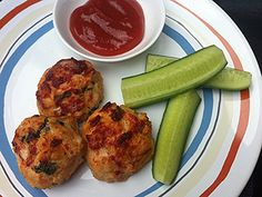 Chicken Meatballs | Meatballs are little bundles of goodness that are also perfect for dipping. Toddlers love that they are easy to eat and moms love that these are made with morsels of veggies hidden throughout.