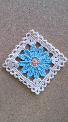 Flower motif Photo album no instructions Japanese, but keeping for when I can read charts well enough to figure it out Crochet Afghan - Baby Blue and This pattern along with other granny square/motif patterns will make a great afghan. This Pin was discove Crochet Blocks, Granny Square Crochet Pattern, Crochet Squares, Crochet Granny, Crochet Motif, Crochet Stitches, Crochet Patterns, Granny Squares, Love Crochet