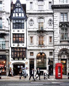 • London is... ...a busy day on Fleet Street... •