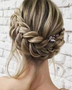 """Sarah Boumendil (@boda_loca_events) na Instagramie: """"Et vous quelle coiffure pour votre mariage ? #coiffuremariage #coiffuremariee #hairwedding #tresse…"""""""
