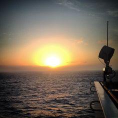 #goodnight #goodbye #sunset #colors #offshore #orangelife #offshorelife #riglife #nature #ig_brazil_ #ig_worldclub #ig_histogram #ig_captures #nature #instagramers #instabeauty #instamoment #respect #appreciate #atlanticocean #seekoffshore #allthingsoffshore #ocean #waters by geogemlnb