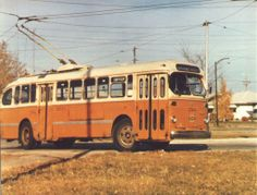An old Winnipeg electric trolley. I am informed that went south all the way to Columbia after being decommissioned. School Bus Camper, Canadian Soldiers, Short Bus, Western Canada, Bus Coach, Red River, Photo Postcards, Van Life, Alter