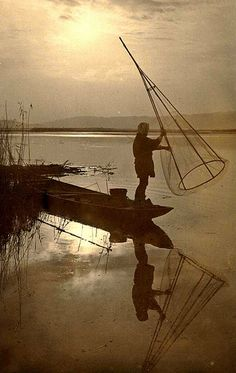 THE FUNNEL NET FISHERMAN -- Another Morning and Sunrise Over Life in Old Japan by Okinawa Soba, via Flickr