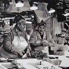 """""""SORELLE"""" di Vittorio Bifulco Troubetzkoy Dimensioni 15 x 15 cm Stampa su carta fotografica plastificata su alluminio 2 mm con distanziali sul retro"""