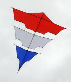 A Brogden Kite which is an idea some 100 years or so old. The simple Diamond, split into separate sails. A few people know about it, since this is not the first such image I have come across... T.P. (my-best-kite.com)