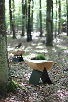 Stołek, drewniany stołek, polski design, meble z Polski, meble do salonu. Zobacz więcej na: https://www.homify.pl/katalogi-inspiracji/18053/meble-od-matki-natury-7-niesamowitych-projektow