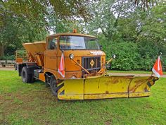 Alle Größen | IFA W50 Winterdienst | Flickr - Fotosharing! Ddr Museum, Equipment Trailers, Trucks, Emergency Vehicles, Cars And Motorcycles, Classic Cars, Busse, Nice Cars, Antique Cars