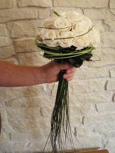 Beautiful bouquet Www. Rose Bridal Bouquet, Bride Bouquets, Bridal Flowers, Bridesmaid Bouquet, Faux Flowers, Diy Flowers, Bouquet Flowers, Deco Floral, Artificial Flowers