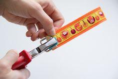 DIY Geschenke schnell und einfach selbermachen. ANleitung für ein Schlüsselband.