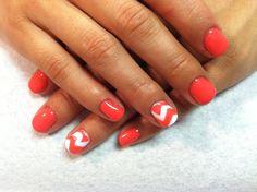 Shellac nails pink chevrons