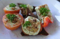 Raw zucchini hummus plate - http://www.amyrachelle.com/info/1-day-raw-food-detox-workshop/