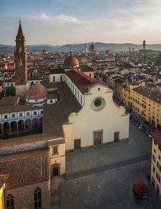 tunning view of Santo Spirito Church Florence Tuscany, Tuscany Italy, Siena, Filippo Brunelleschi, Driving In Italy, Arch Building, Historical Architecture, Places Around The World, Italy Travel