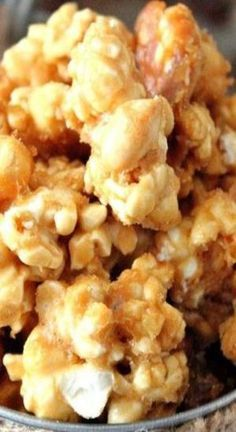 Try Butter Toffee Popcorn Recipe as an awesome snack and to give away for gifts. This is the perfect sweet and salty combination for popcorn. Popcorn Snacks, Candy Popcorn, Gourmet Popcorn, Sweet Popcorn Recipes, Popcorn Balls, Microwave Carmel Popcorn, Popcorn Toppings, Popcorn Kernels, Popcorn Maker