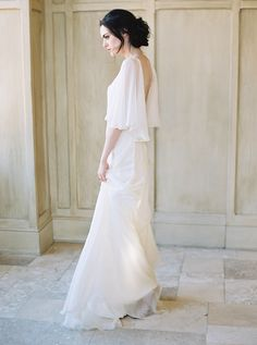 Elegant Bridal Portraits with Old World Style - love everything about this look.