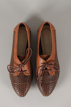 Qupid Tuxedo-13 Perforated Two Tone Oxford Flat