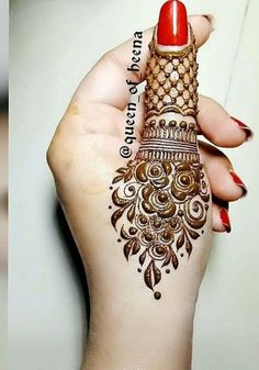 Hina, hina or of any other mehandi designs you want to for your or any other all designs you can see on this page. modern, and mehndi designs Finger Henna Designs, Mehndi Designs For Fingers, Simple Mehndi Designs, Henna Tattoo Designs, Bridal Mehndi Designs, Bridal Henna, Fingers Design, Tattoo Ideas, Mehndi Desing
