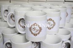 Caneca de cerâmica personalizada para padrinhos de casamento