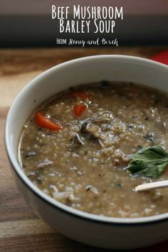 Beef Mushroom Barley Soup - This hearty beef mushroom barley soup will really warm you up on chilly winter days. www.honeyandbirch.com