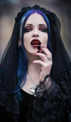 Find This Pin And More On VAMPIRES By Saulh30182