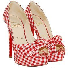 Pin Up Rockabilly Style Christian Louboutin Red Gingham Pumps Red Louboutin, Style Année 20, Mode Style, Gingham Shoes, Red Gingham, White Plaid, Cute Shoes, Me Too Shoes, Pretty Shoes