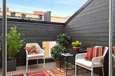Rooftop Decor, Rooftop Terrace Design, Terrace Garden Design, Balcony Garden, Terrasse Design, Diy Terrasse, Terrazas Chill Out, Townhouse Garden, Pergola Attached To House
