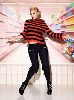 Who made Gwen Stefani's black pants and black boots that she wore in Glamour magazine? Gwen Stefani No Doubt, Gwen Stefani And Blake, Gwen Stefani Style, Rocker Style, Rocker Chic, Celebrity Travel, Celebrity Style, New Outfits, Fashion Outfits