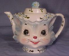 so cute *~*My Mom had this tea pot w/ matching sugar and creamer in North Walpole.