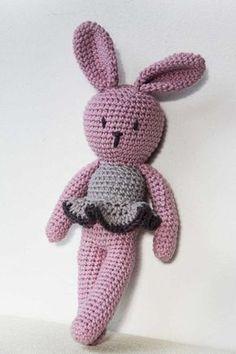 Návod na háčkovaného králíčka Crochet Toys, Free Crochet, Drops Alpaca, Chevron Art, Stitch Patterns, Crochet Patterns, Booties Crochet, Baby Toys, Free Pattern