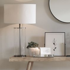 Browse the newest home accessories from The White Company and bring a touch of luxury to your space. Interior Design Tips, Interior Styling, Etagere Cube, Living Room Decor, Bedroom Decor, White Books, Bed Linen Design, Simple Bed, The White Company