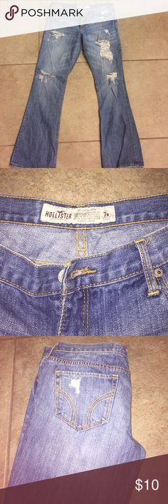 Hollister Jeans Hollister size 7R jeans. Small tear at the bottom from slight wear. Matches with the ripped look of the jeans Hollister Jeans Straight Leg