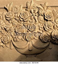 carved-wood-fireplace-mantle-brown-with-roses-and-other-flowers-in-beyehr.jpg (493×540)