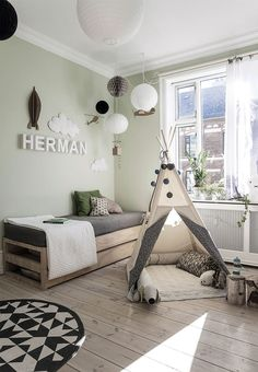 This kids room is magical with a teepee from Lirum Larum Leg and a home-built bed that folds out into a double bed. Boys Bedroom Paint, Boys Bedroom Decor, Baby Bedroom, Baby Room Decor, Boy Toddler Bedroom, Boy Room, Kids Boy, Scandinavian Kids Rooms, Creative Kids Rooms