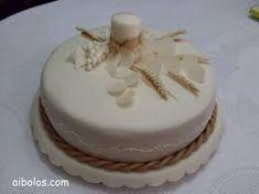 Resultado de imagem para bolos primeira comunhao