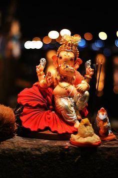 Make this Ganesha Chathurthi 2020 special with rituals and ceremonies. Lord Ganesha is a powerful god that removes Hurdles, grants Wealth, Knowledge & Wisdom. Ganesh Chaturthi Photos, Happy Ganesh Chaturthi Images, Shri Ganesh Images, Ganesha Pictures, Baby Ganesha, Ganesha Art, Ganesh Idol, Baby Krishna, Ganesh Lord